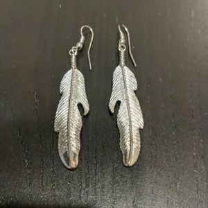 Casual feather earrings